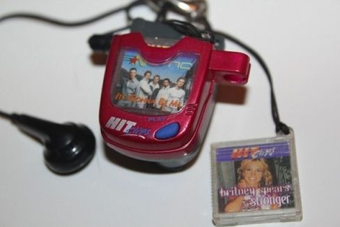 90s-kids-memes-11-the-original-ipod
